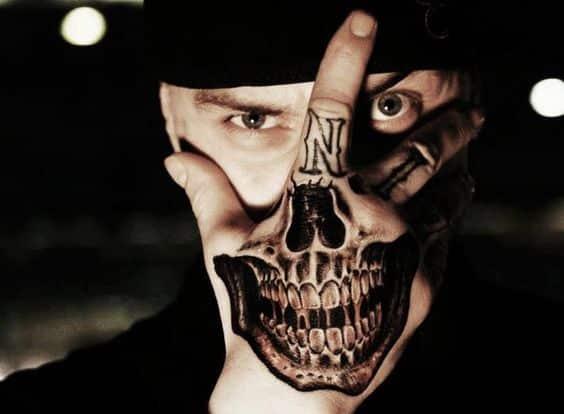 hand-tattoos-10