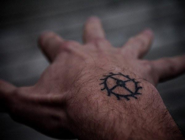 hand-tattoos-43