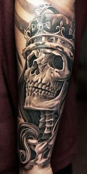 crown-tattoos-16