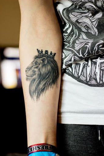 crown-tattoos-17