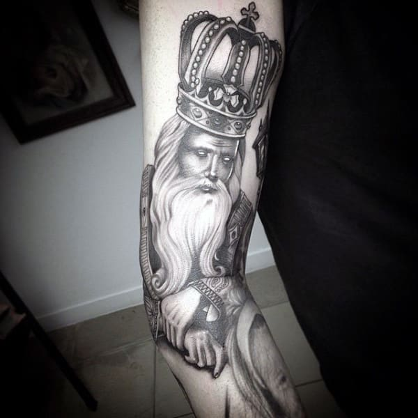 crown-tattoos-47
