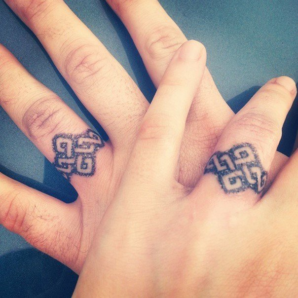 wedding ring tattoos 07 - Wedding Rings Tattoos