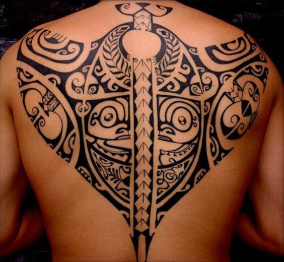Full-back stingray tiki tattoo