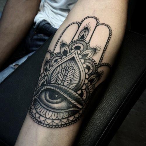 hamsa-tattoos-09