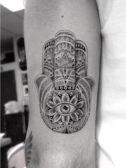 hamsa-tattoos-20