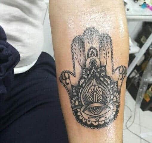 hamsa-tattoos-41