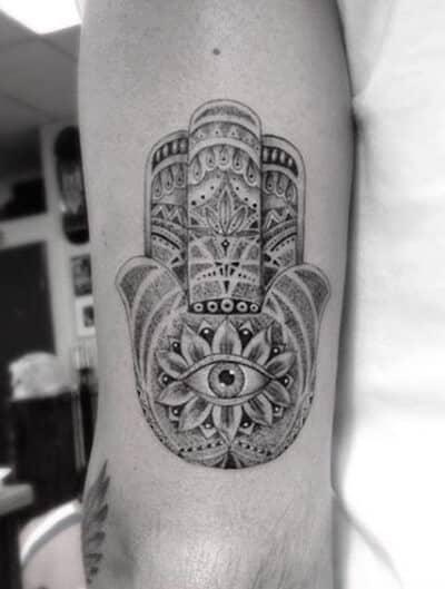 hamsa-tattoos-42